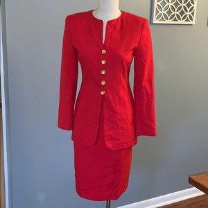 Woman casual corner red suit size 4